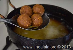 kola-urundai-recipe-step-by-step-pictures -vegetarian-meatballs-1 (48)