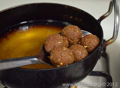 kola-urundai-recipe-step-by-step-pictures -vegetarian-meatballs-1 (52)