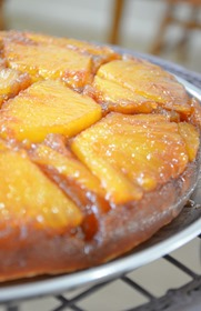 procedure-to-make-pineapple-upside-down-cake-1